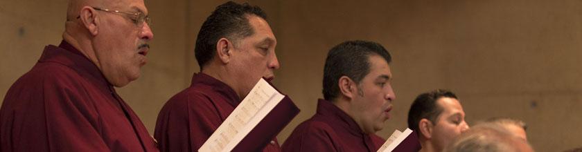Enseñe a Su Coro a Cantar en Armonía
